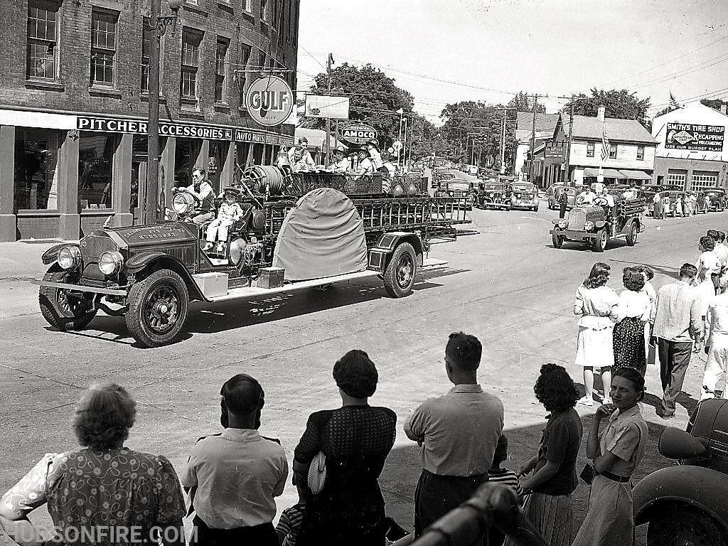 City of Hudson fire apparatus parading down Columbia Street in 1945 (photo by Howie Gibson)